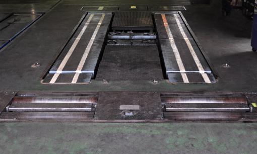 4輪アライメントテスターによる足回りの点検整備